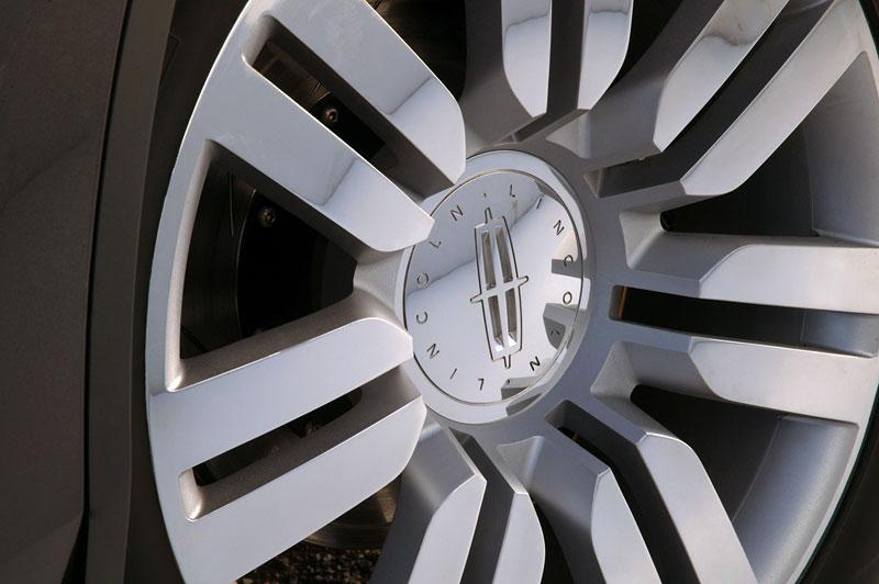 Ford prodává koncepty: je libo solitér?: - fotka 57