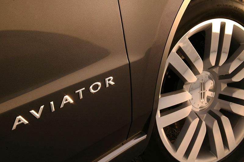 Ford prodává koncepty: je libo solitér?: - fotka 58