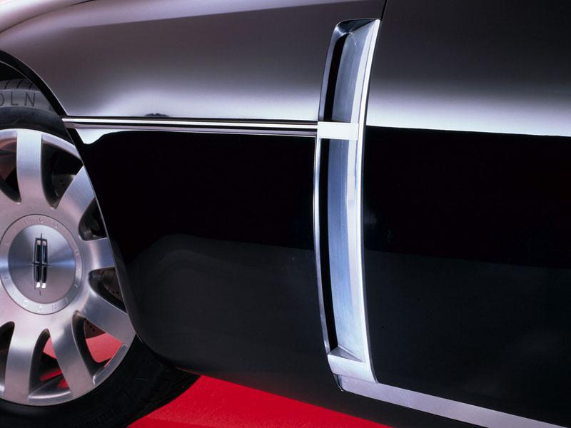 Ford prodává koncepty: je libo solitér?: - fotka 74