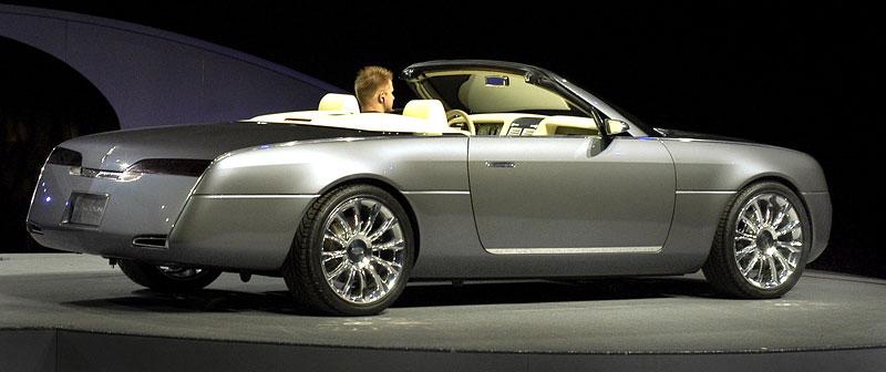 Ford prodává koncepty: je libo solitér?: - fotka 128