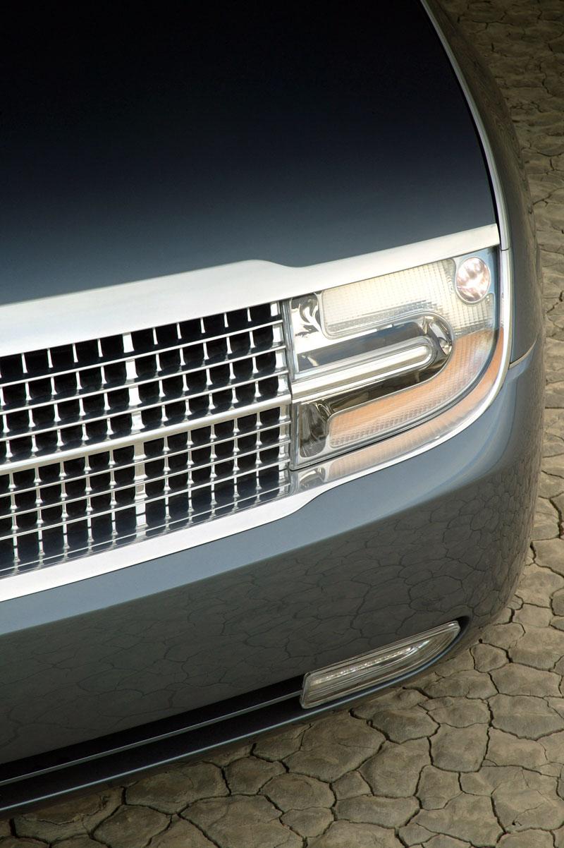 Ford prodává koncepty: je libo solitér?: - fotka 130