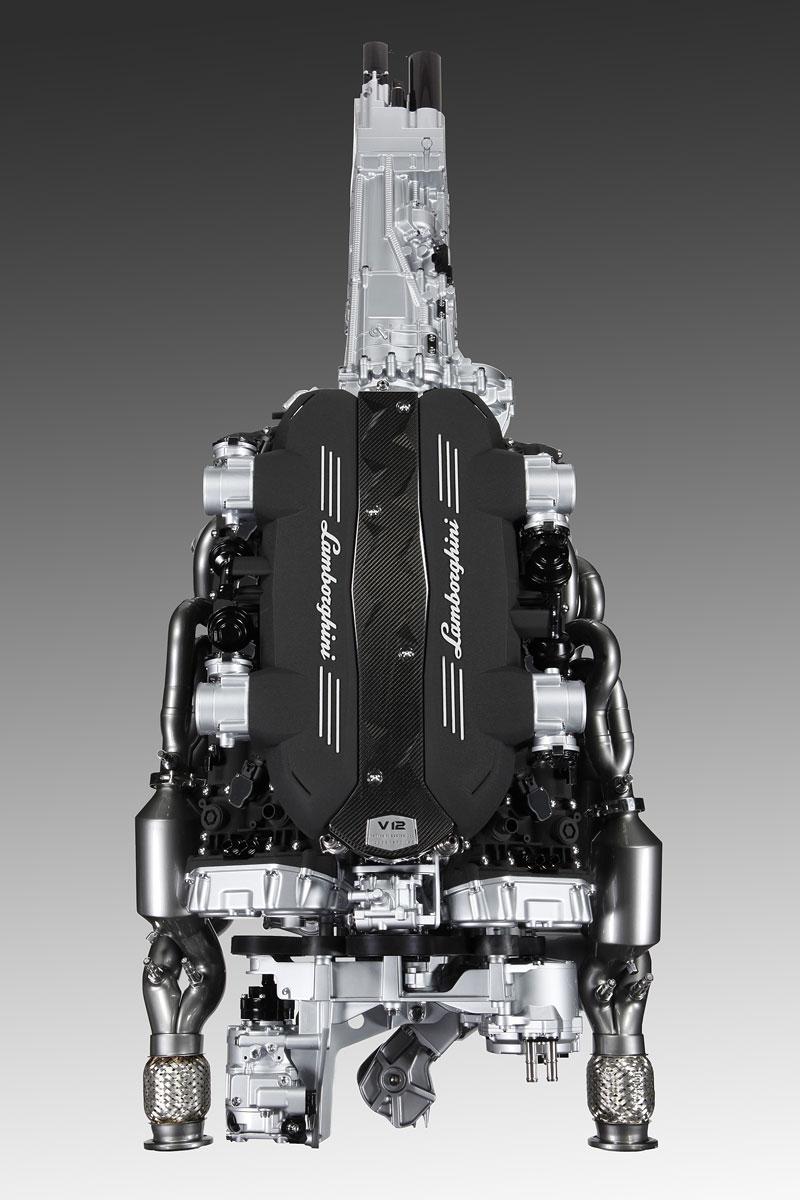 Lamborghini Aventador: unikla první fotografie!: - fotka 14