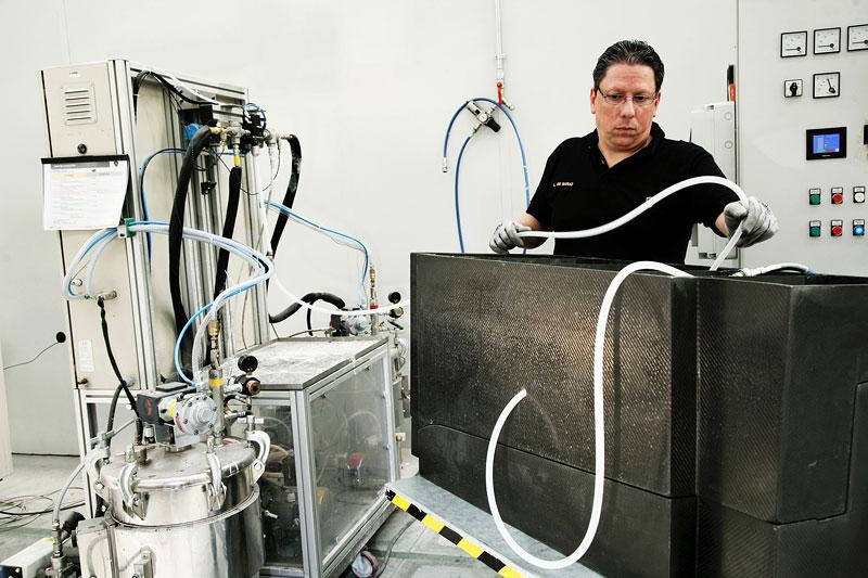 Lamborghini: vlastní výzkum karbonu nabírá vyšší obrátky: - fotka 3