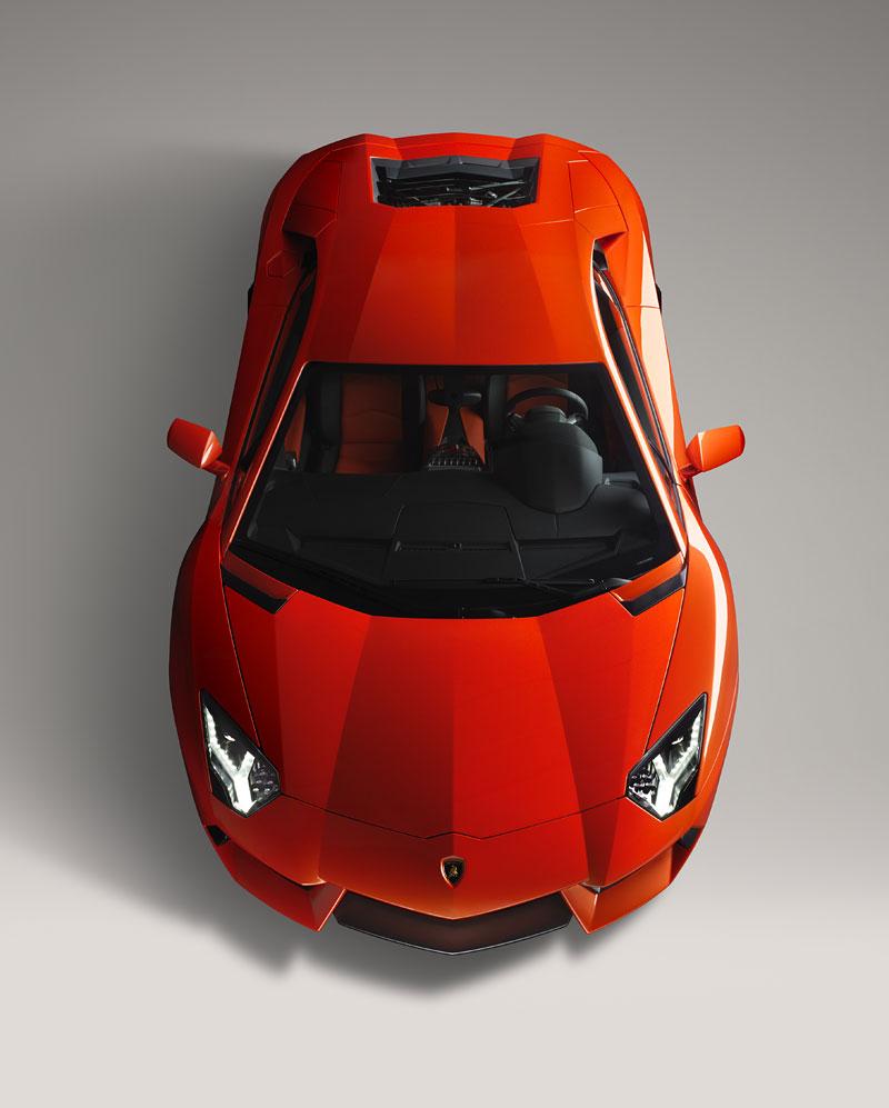 Ženeva 2011 živě: Lamborghini Aventador LP700-4: - fotka 87