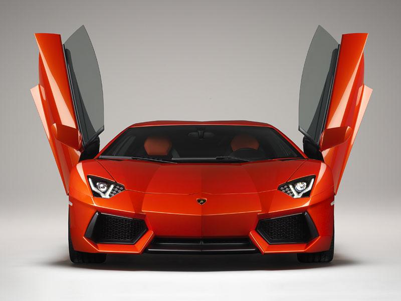 Ženeva 2011 živě: Lamborghini Aventador LP700-4: - fotka 88