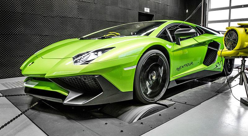 Lamborghini Aventador LP 750-4 SV na návštěvě u mcchip-dkr: - fotka 3