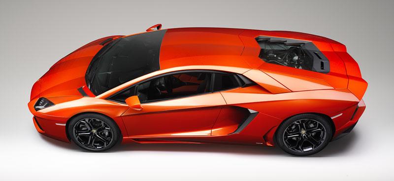 Ženeva 2011 živě: Lamborghini Aventador LP700-4: - fotka 90