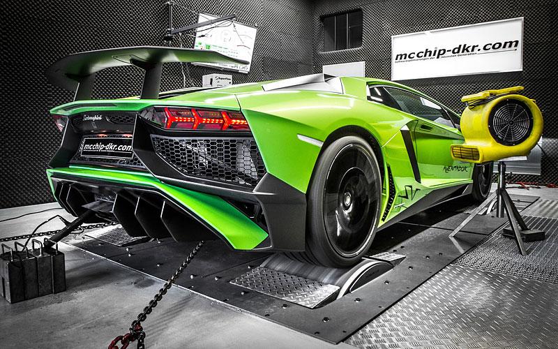 Lamborghini Aventador LP 750-4 SV na návštěvě u mcchip-dkr: - fotka 5