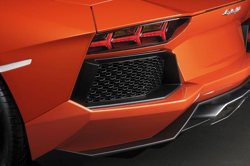 Ženeva 2011 živě: Lamborghini Aventador LP700-4: - fotka 93