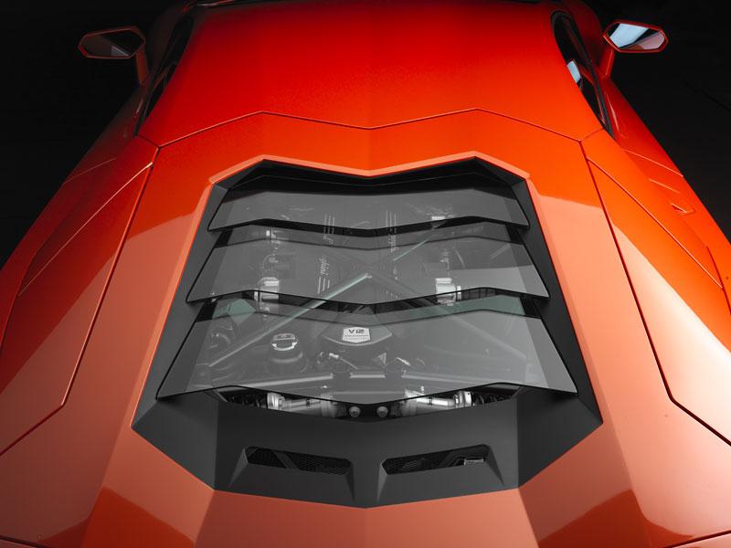 Ženeva 2011 živě: Lamborghini Aventador LP700-4: - fotka 94
