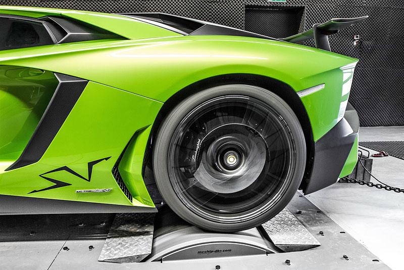 Lamborghini Aventador LP 750-4 SV na návštěvě u mcchip-dkr: - fotka 11