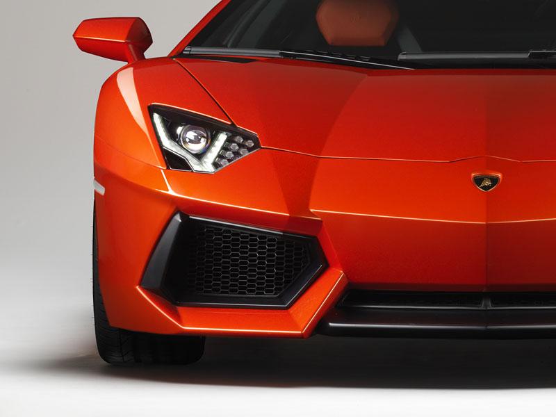 Ženeva 2011 živě: Lamborghini Aventador LP700-4: - fotka 98