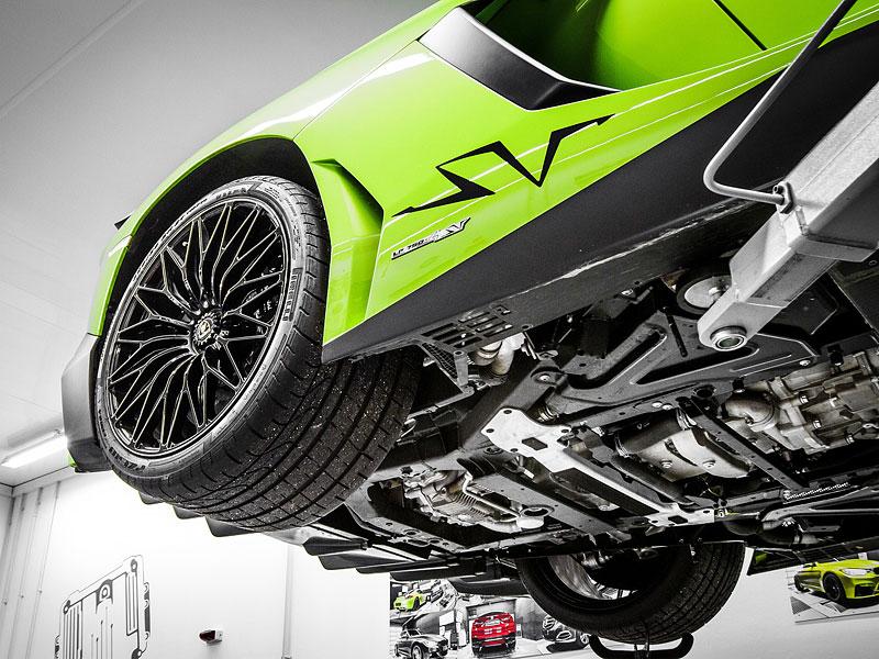 Lamborghini Aventador LP 750-4 SV na návštěvě u mcchip-dkr: - fotka 15