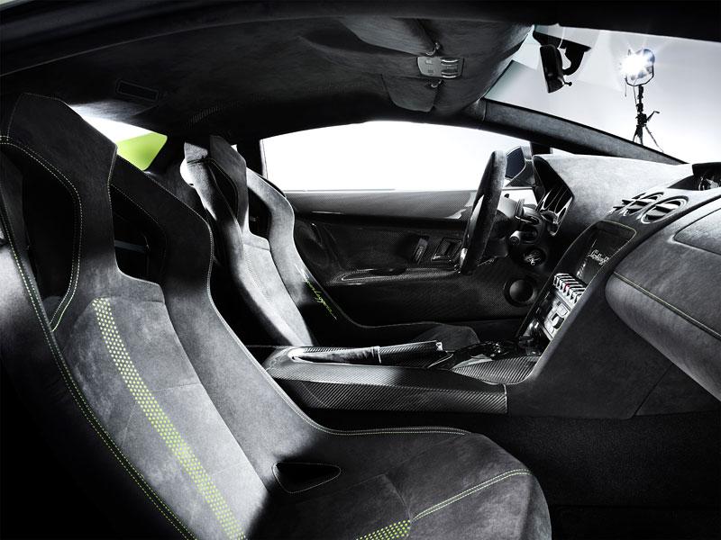 Lamborghini Gallardo LP 570-4 Superleggera: nové akční fotky: - fotka 2