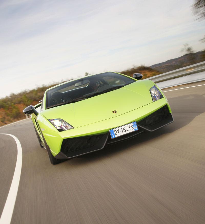 Lamborghini Gallardo LP 570-4 Superleggera: nové akční fotky: - fotka 4