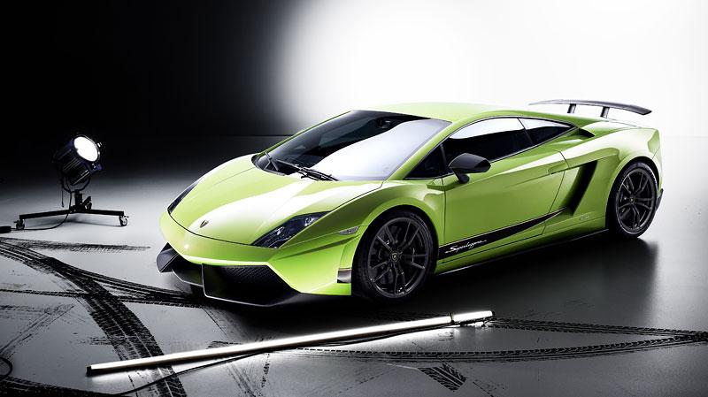 Lamborghini Gallardo LP 570-4 Superleggera: nové akční fotky: - fotka 8