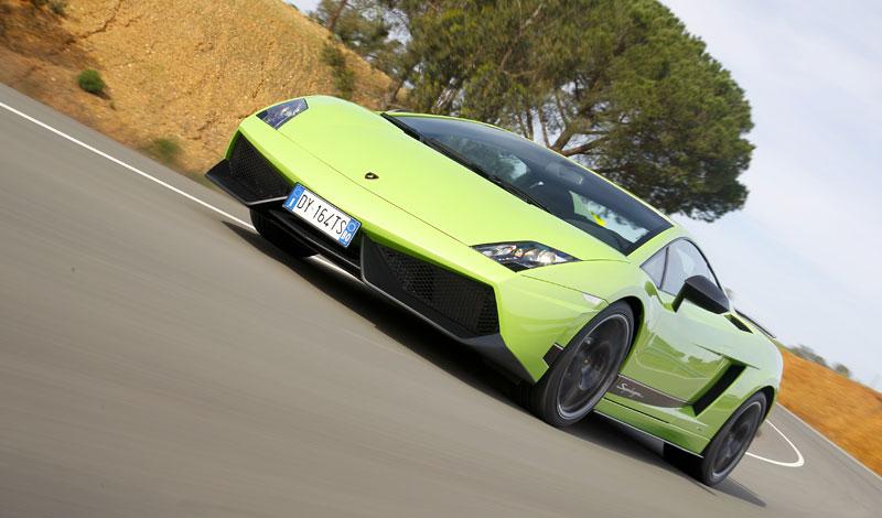 Lamborghini Gallardo LP 570-4 Superleggera: nové akční fotky: - fotka 9