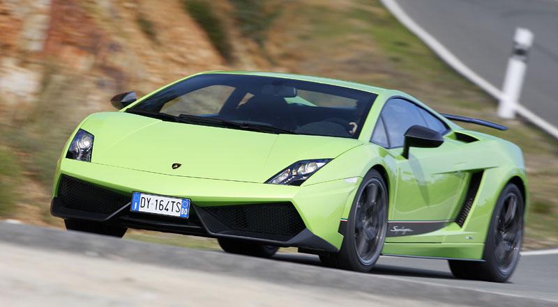 Lamborghini Gallardo LP 570-4 Superleggera: nové akční fotky: - fotka 10