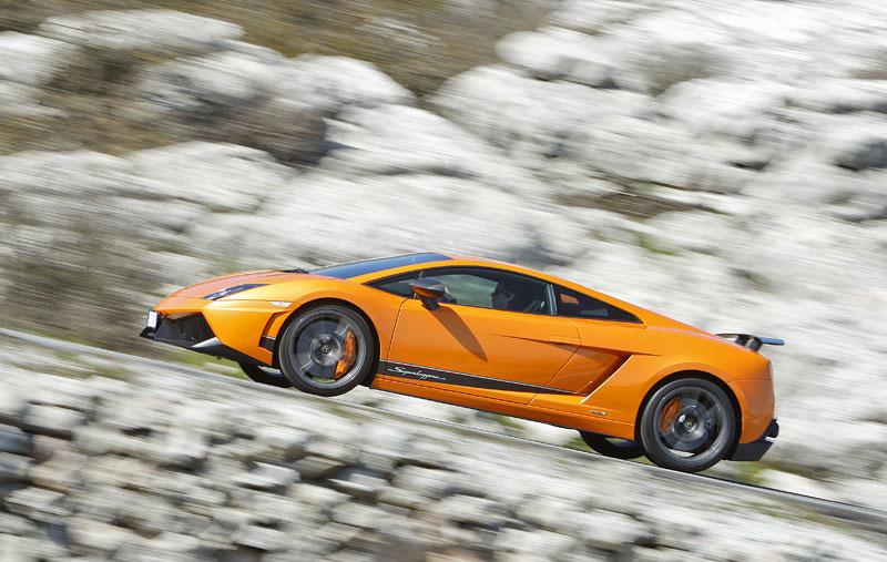 Lamborghini Gallardo LP 570-4 Superleggera: nové akční fotky: - fotka 15