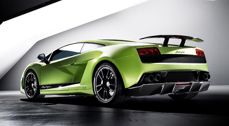 Lamborghini Gallardo LP 570-4 Superleggera: nové akční fotky: - fotka 17