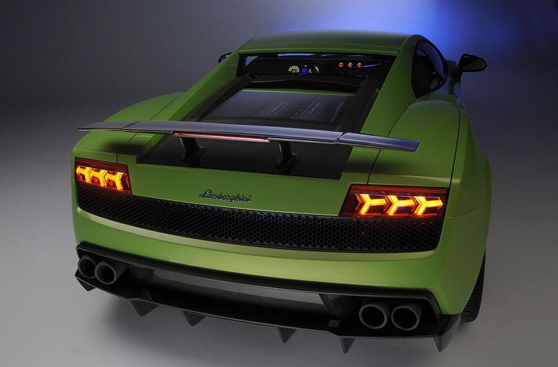 Ženeva 2010: Lamborghini Gallardo LP 570-4 Superleggera oficiálně: - fotka 12