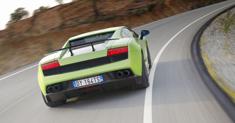 Lamborghini Gallardo LP 570-4 Superleggera: nové akční fotky: - fotka 21