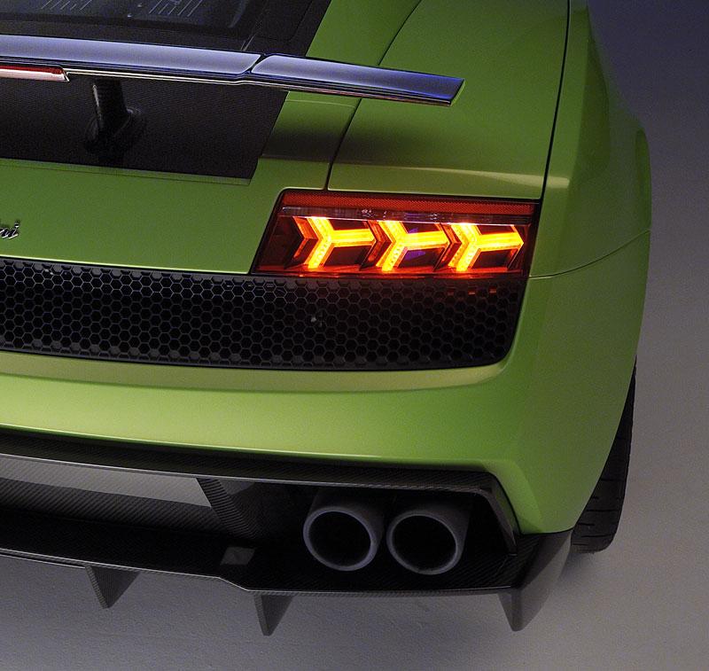 Lamborghini Gallardo LP 570-4 Superleggera: nové akční fotky: - fotka 25