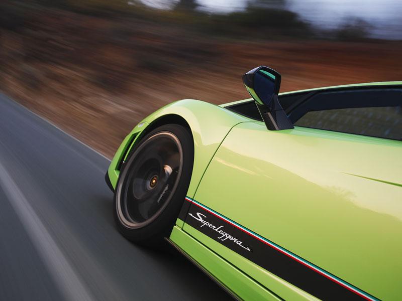 Lamborghini Gallardo LP 570-4 Superleggera: nové akční fotky: - fotka 30