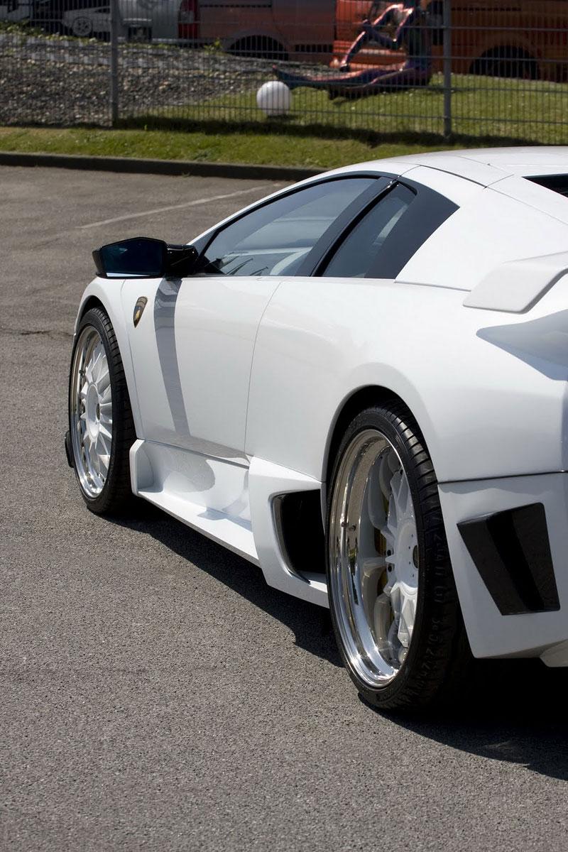 Lamborghini Bat LP 640 od JB Car Design: ve stylu reventonu: - fotka 10
