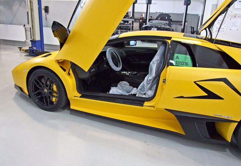 Lamborghini Murciélago LP670-4 SV: První kus dorazil do České republiky: - fotka 36