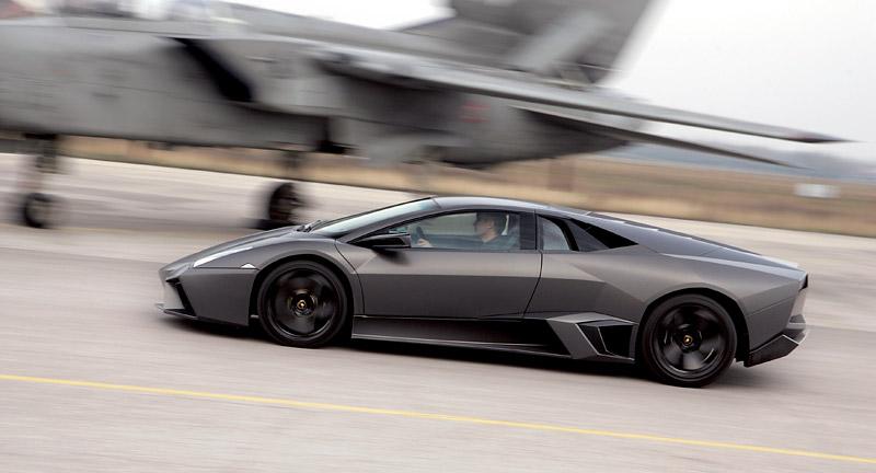 Lamborghini Reventón: Námluvy u rodinky Tornád: - fotka 11