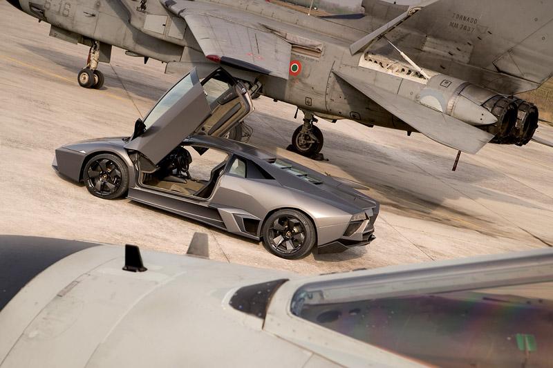 Lamborghini Reventón: Námluvy u rodinky Tornád: - fotka 14