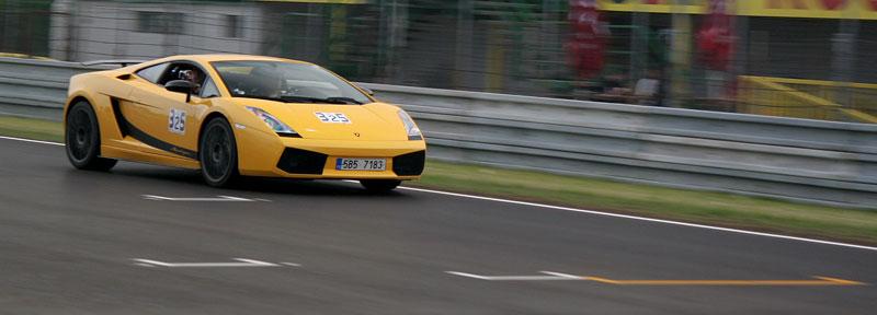 Klub sportovních aut pokřtil asfalt Automotodromu Brno: - fotka 57