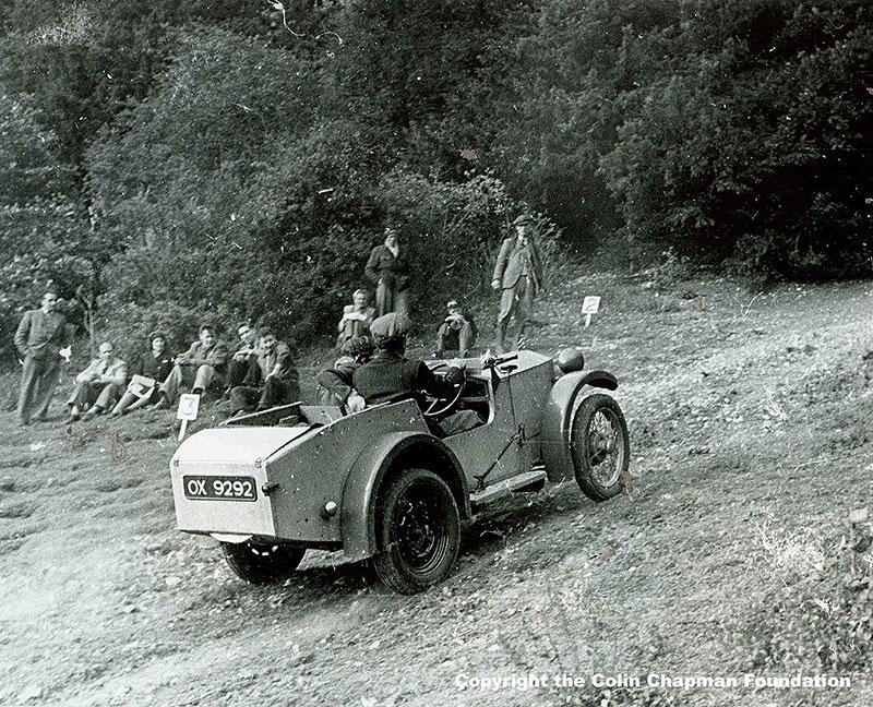 Lotus hledá svoje první auto. Vyhlásil po něm pátrání: - fotka 1