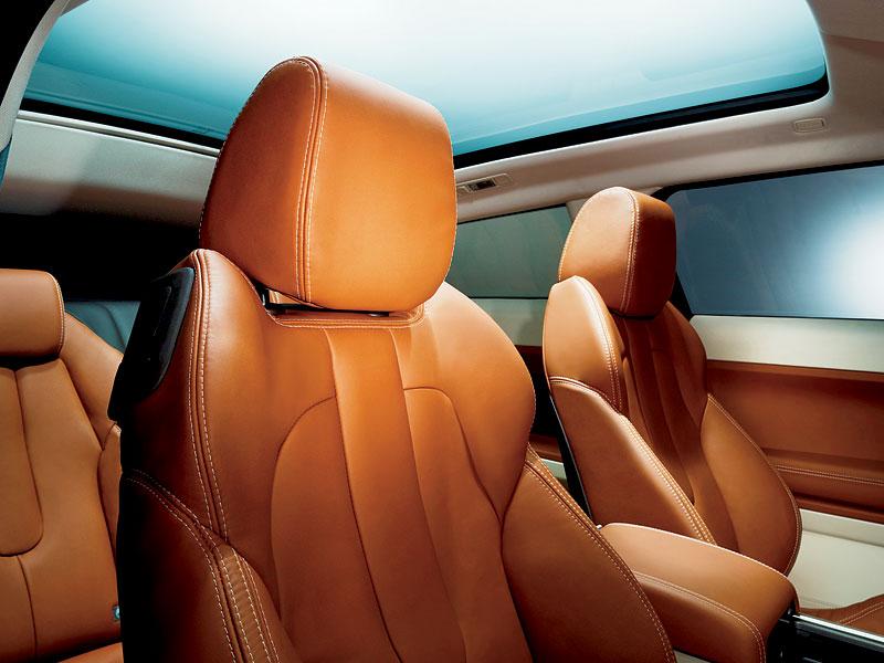 Paříž 2010: Range Rover Evoque - nejmenší a nejsportovnější: - fotka 5