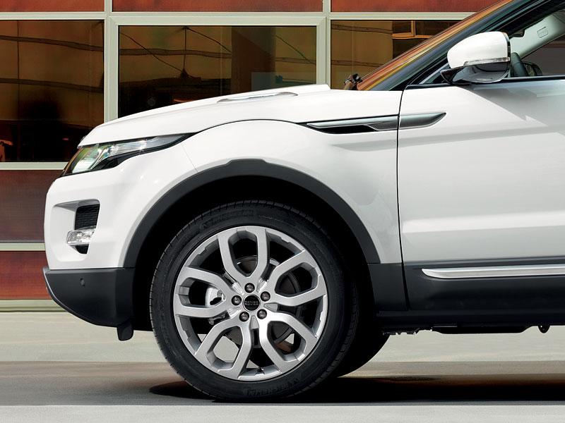 Paříž 2010: Range Rover Evoque - nejmenší a nejsportovnější: - fotka 23