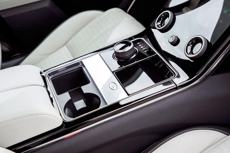Fungují vysouvací kliky v Range Roveru Velar, i když auto obalí vrstva ledu?: - fotka 6