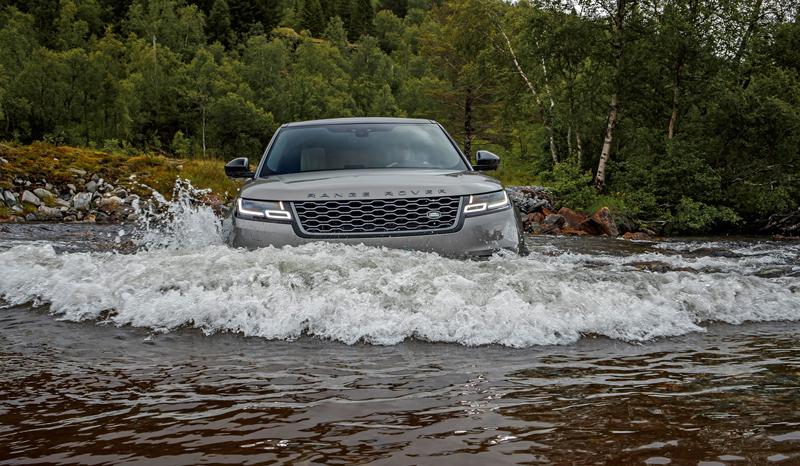 Fungují vysouvací kliky v Range Roveru Velar, i když auto obalí vrstva ledu?: - fotka 21