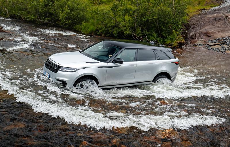 Fungují vysouvací kliky v Range Roveru Velar, i když auto obalí vrstva ledu?: - fotka 54