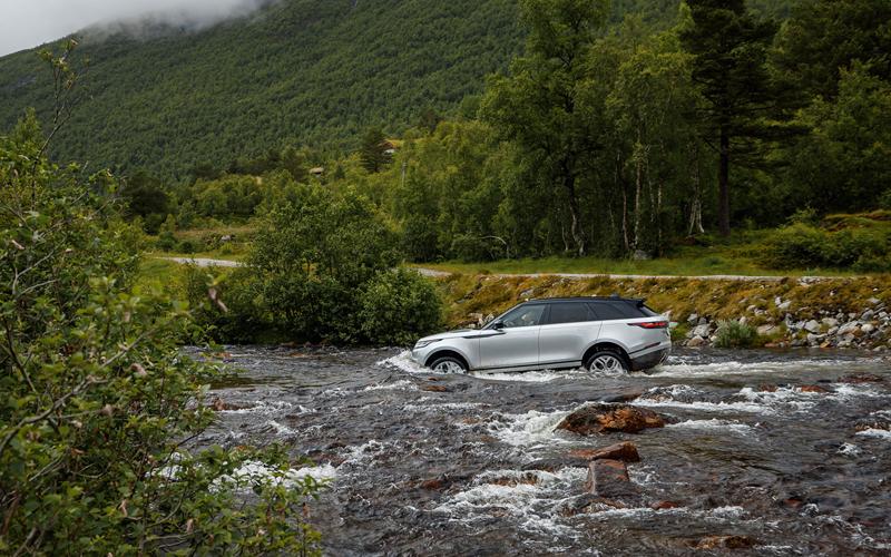 Fungují vysouvací kliky v Range Roveru Velar, i když auto obalí vrstva ledu?: - fotka 58
