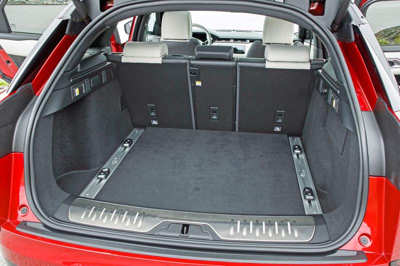 Fungují vysouvací kliky v Range Roveru Velar, i když auto obalí vrstva ledu?: - fotka 82