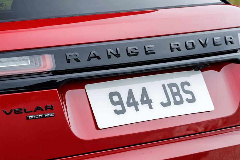 Fungují vysouvací kliky v Range Roveru Velar, i když auto obalí vrstva ledu?: - fotka 106