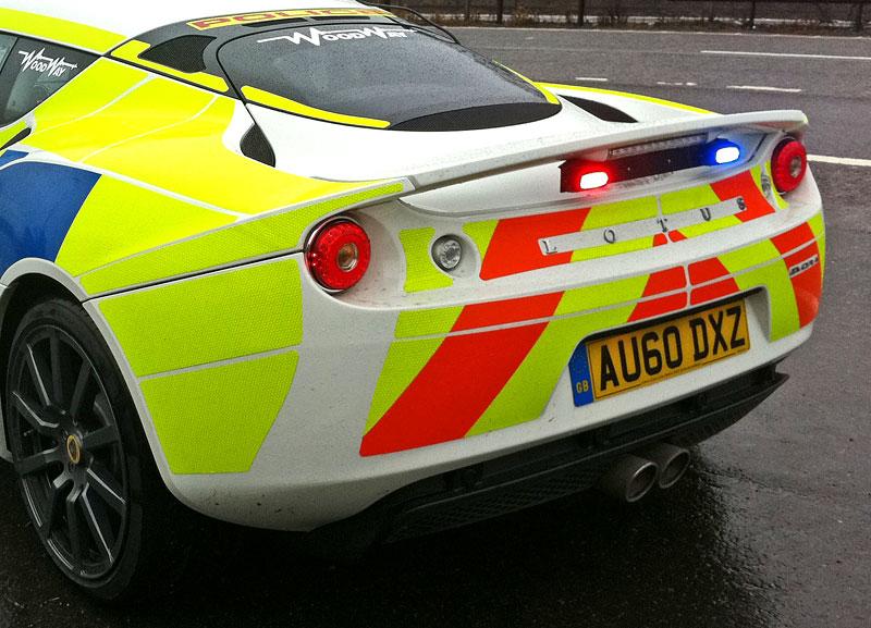 Britská policie testuje Lotus Evora: - fotka 5