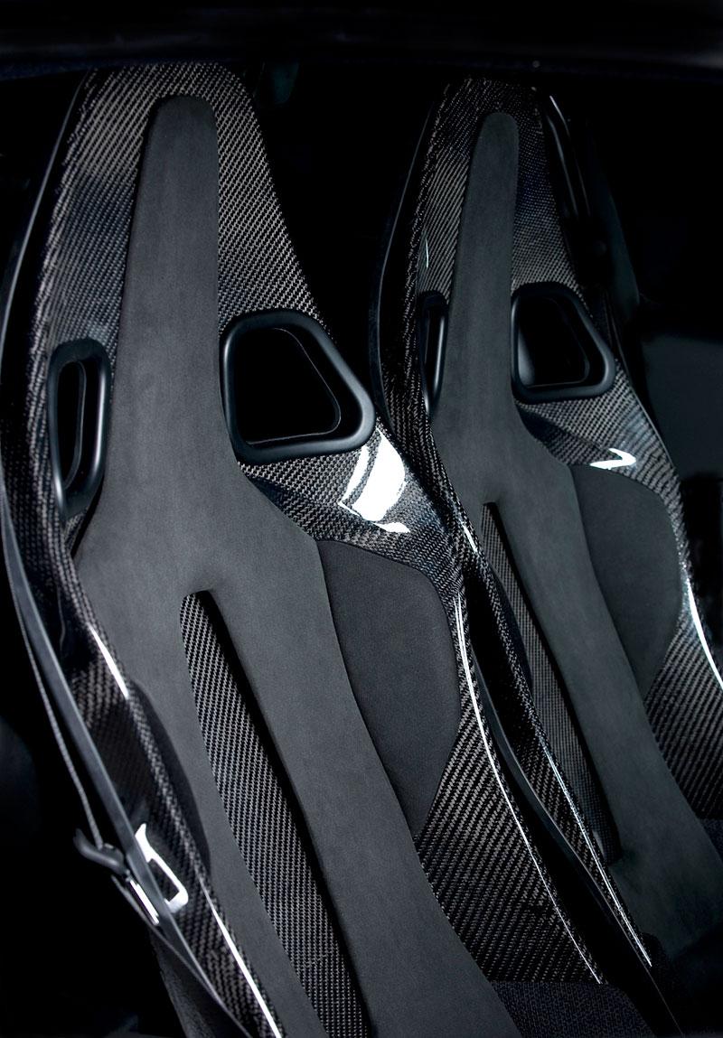 Lotus Exige Scura: černý lak a karbon pro Cup 260: - fotka 3