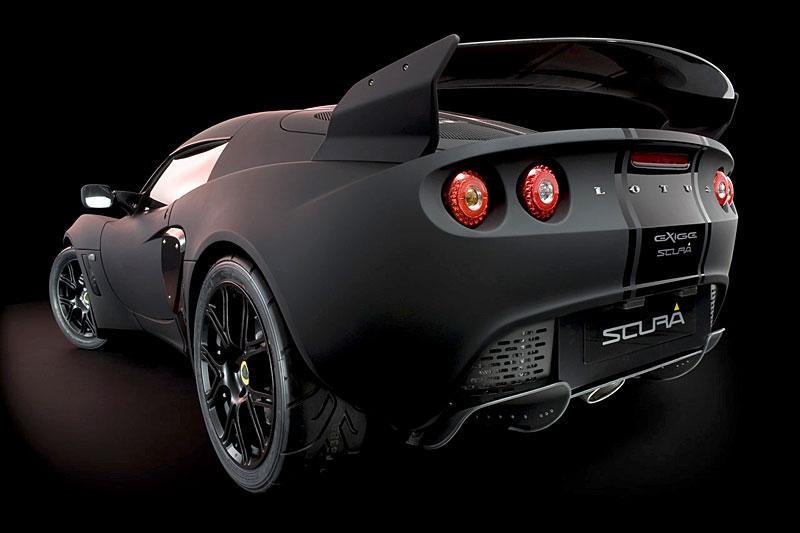 Lotus Exige Scura: černý lak a karbon pro Cup 260: - fotka 12