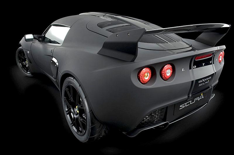 Lotus Exige Scura: černý lak a karbon pro Cup 260: - fotka 14