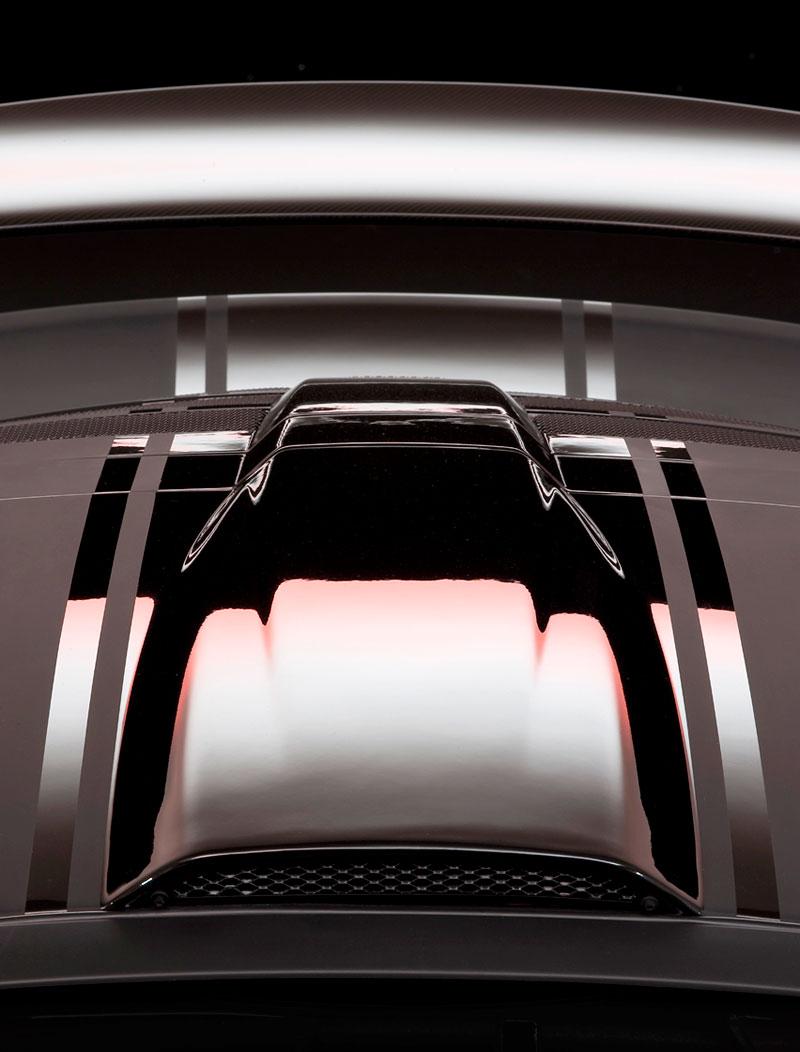 Lotus Exige Scura: černý lak a karbon pro Cup 260: - fotka 16