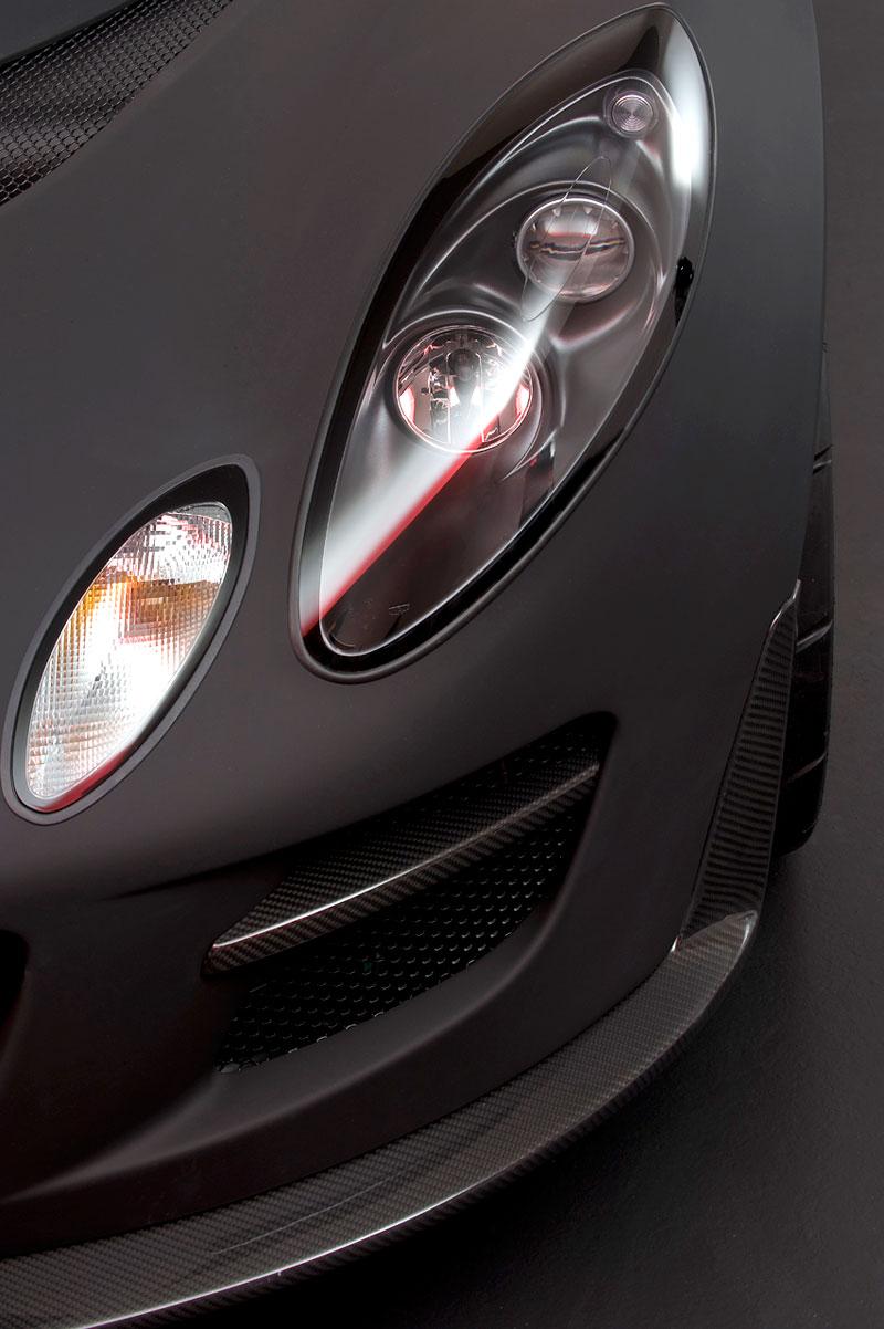 Lotus Exige Scura: černý lak a karbon pro Cup 260: - fotka 19