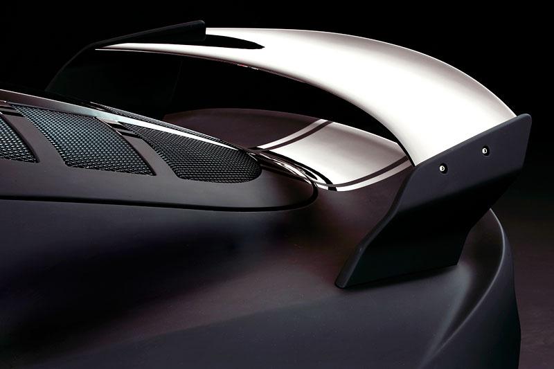 Lotus Exige Scura: černý lak a karbon pro Cup 260: - fotka 21