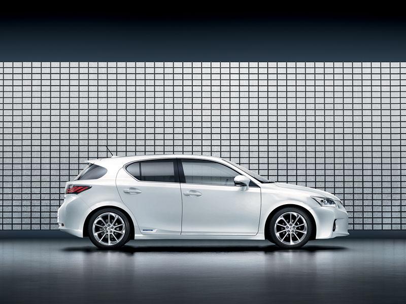 Lexus CT 200h F-Sport: debut na Sydney Motor Show: - fotka 18